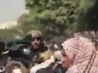 I talebani hanno usato gas lacrimogeni per disperdere una manifestazione di donne che chiedeva uguaglianza per educazione e lavoro
